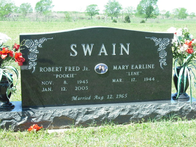 Swain_Robert-Earline.JPG